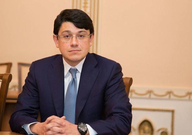 Azərbaycanlı yazıçıya yubiley medalı təqdim olunub